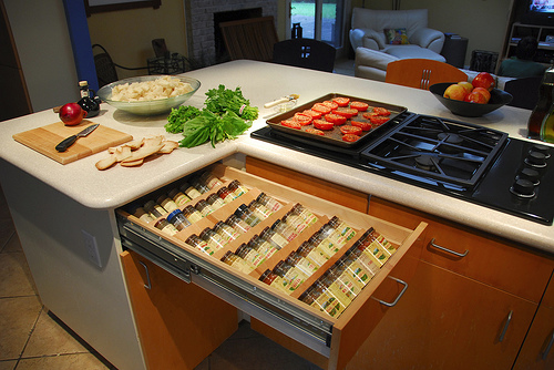 organizing-spices-in-a-drawer-7